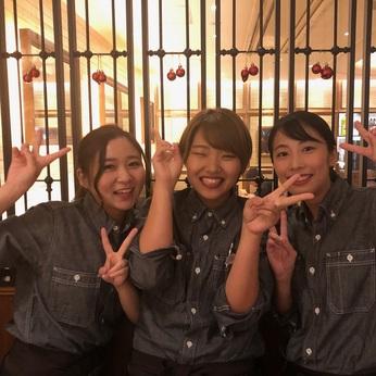オープニング並みの大募集!/ビアレストランのホールスタッフ/アクセスの良い京都駅内/終電心配無し。